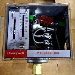 Pressure Controller ยี่ห้อ HONEYWELL รุ่น L604A 1185